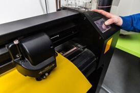 Screen Printing Vs Vinyl Press